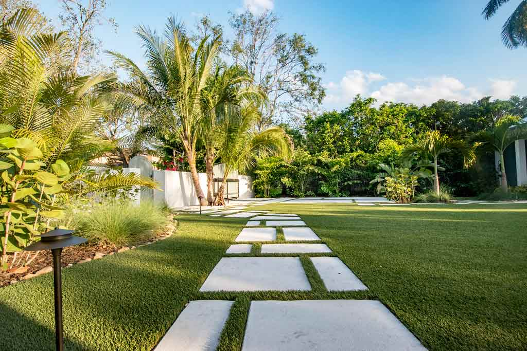 Residential Landscape by ForeverLawn of Tampa Bay