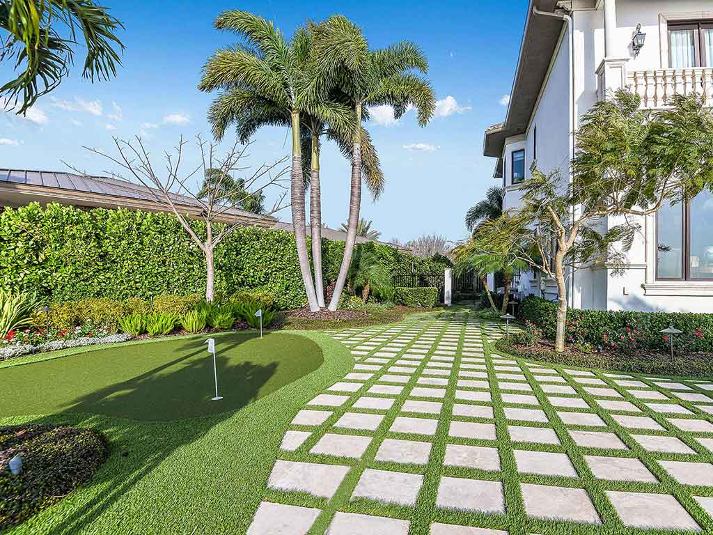artificial golf green at Culbreath Isles waterfront residence in South Tampa