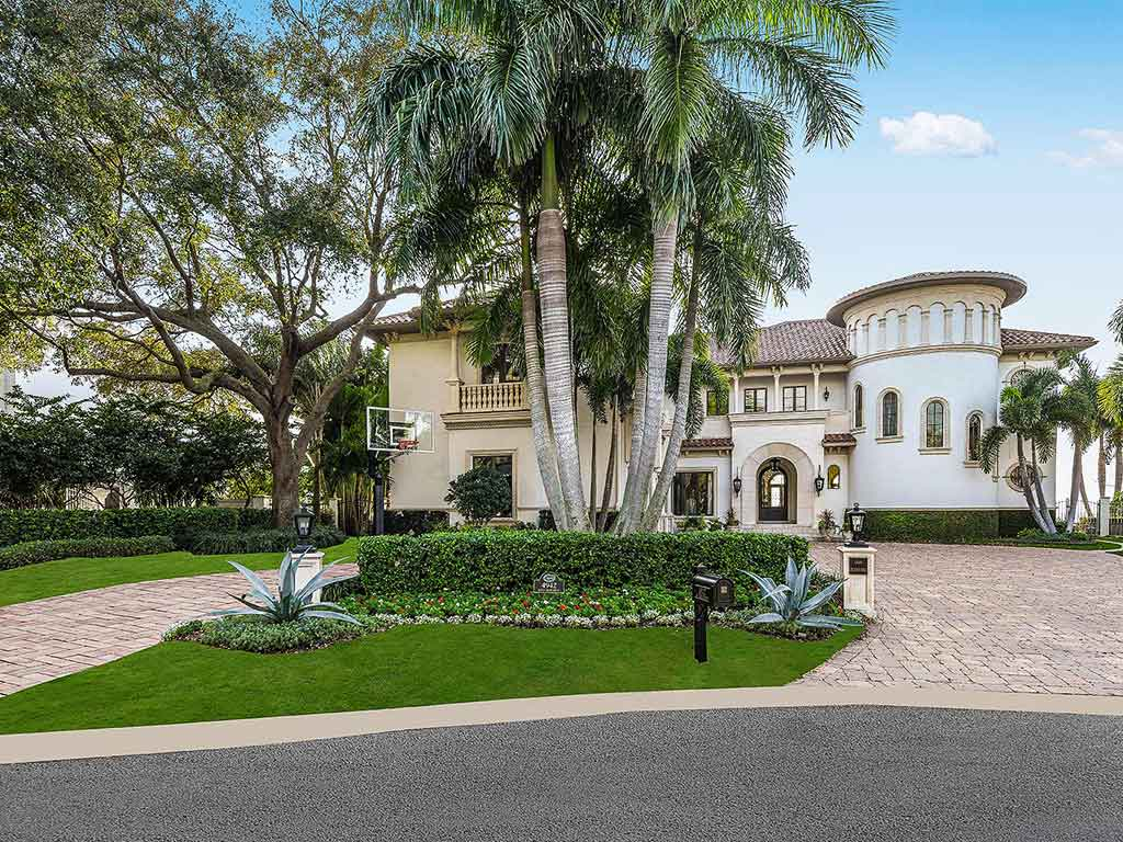 Culbreath Isles waterfront residence in South Tampa